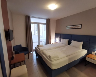 DOUBLE AND TWIN ROOM WITH BALCONY